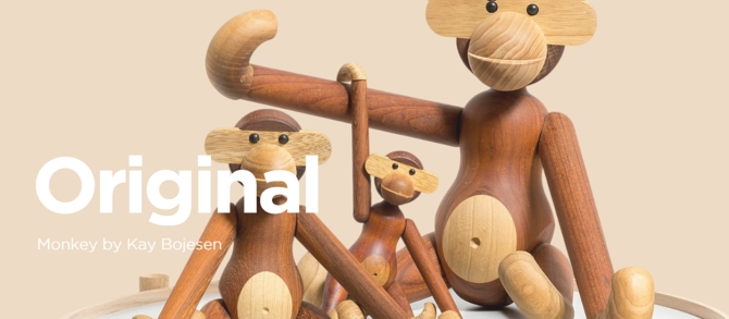 wooden monkey from https://brdr-kruger.com/en